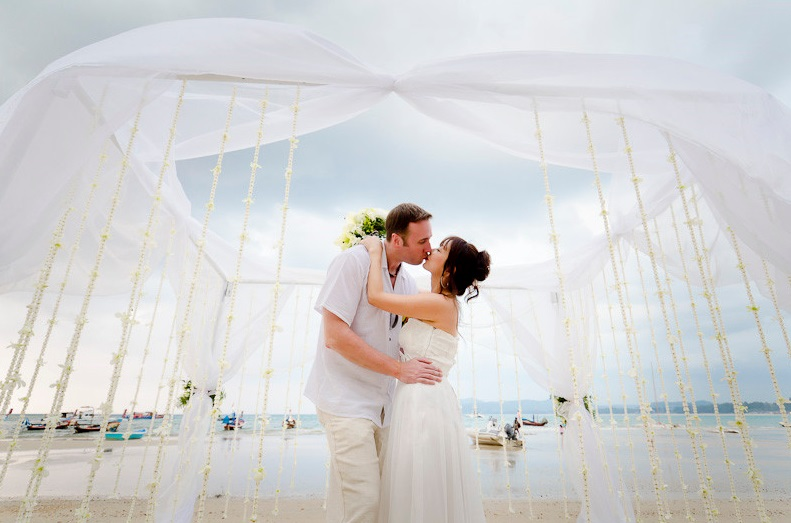 Marriage in Thailand -- family lawyer Phuket